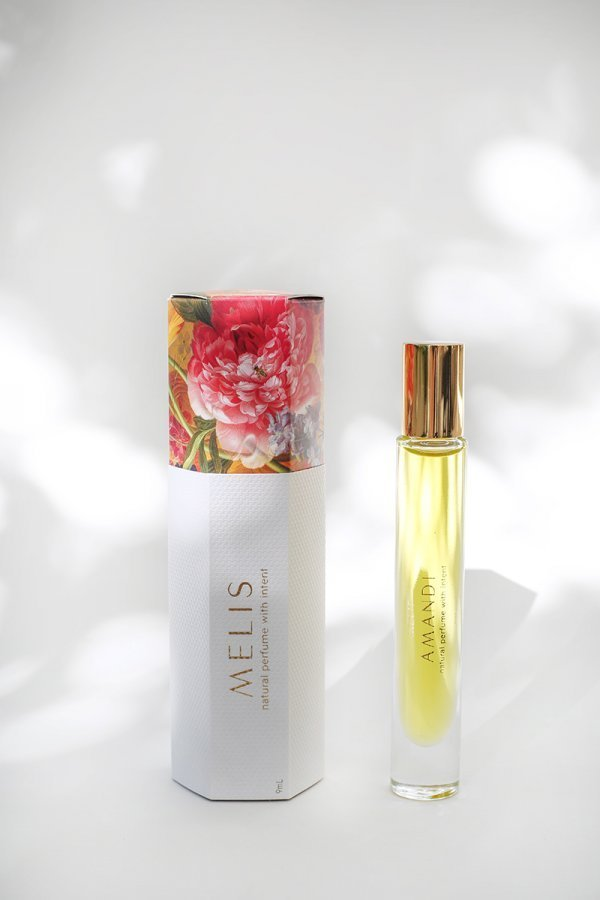 Amandi MELIS 100% natural perfume with packaging